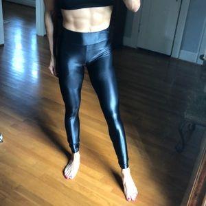 KORAL Black lustrous leggings